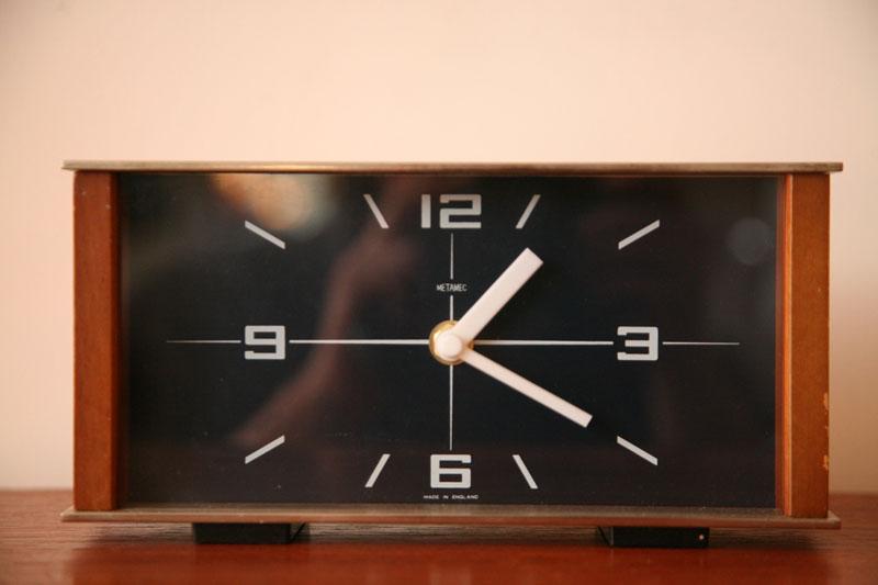 1970s Metamec Mantle Clock Cream And Chrome