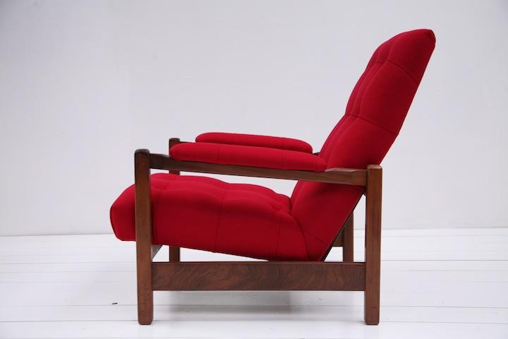 1970s Lounge Chair Cream And Chrome