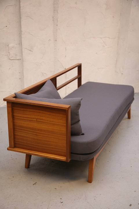 Vintage 1950s Daybed Cream And Chrome