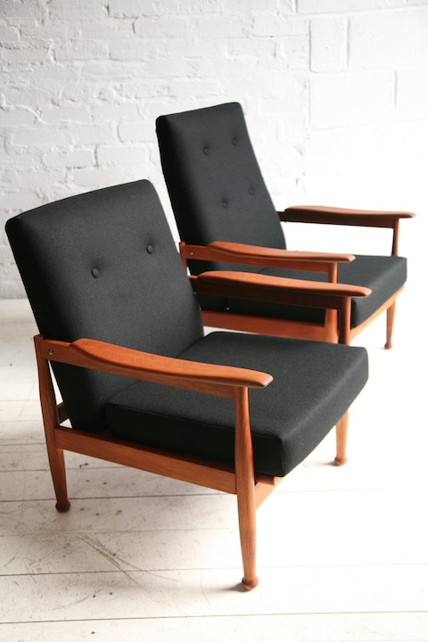 1960s Lounge Chairs By Guy Rogers Cream And Chrome