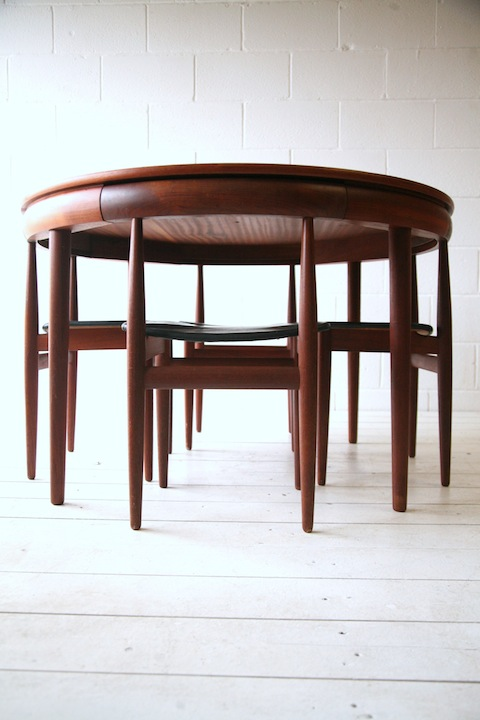 Dining table and 4 chair by hans olsen cream and chrome - Cream dining tables and chairs ...