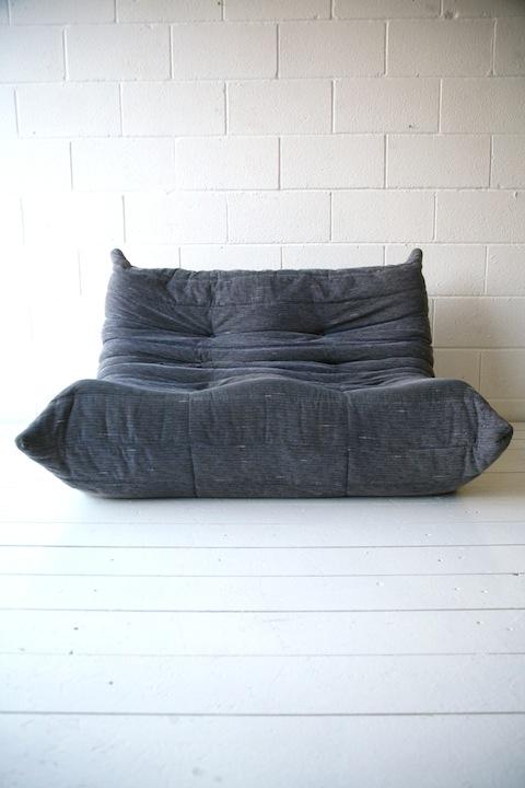 vintage ligne roset togo sofa cream and chrome. Black Bedroom Furniture Sets. Home Design Ideas