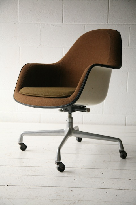 vintage ec176 desk chair by charles eames for herman miller a vintage