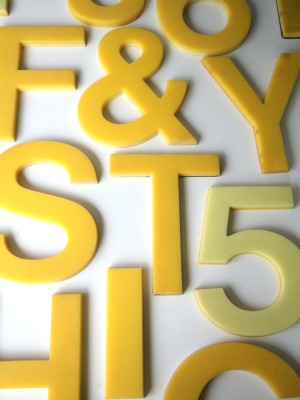 02 Vintage Plastic Yellow Shop Letters 5