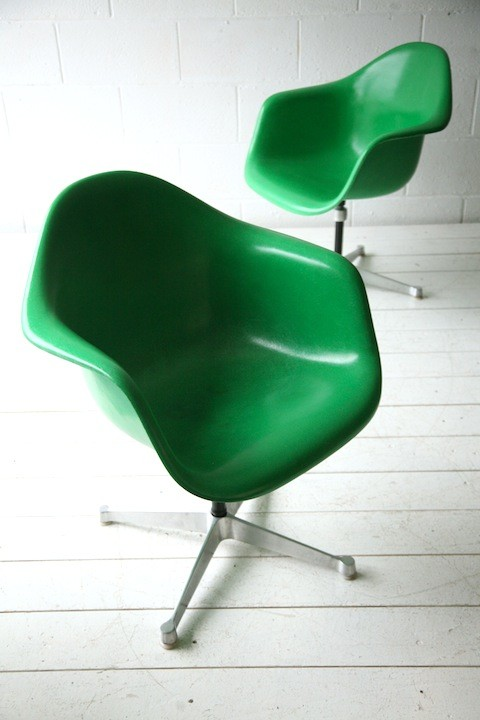 Vintage Fibreglass Desk Chair By Charles Eames For Herman Miller
