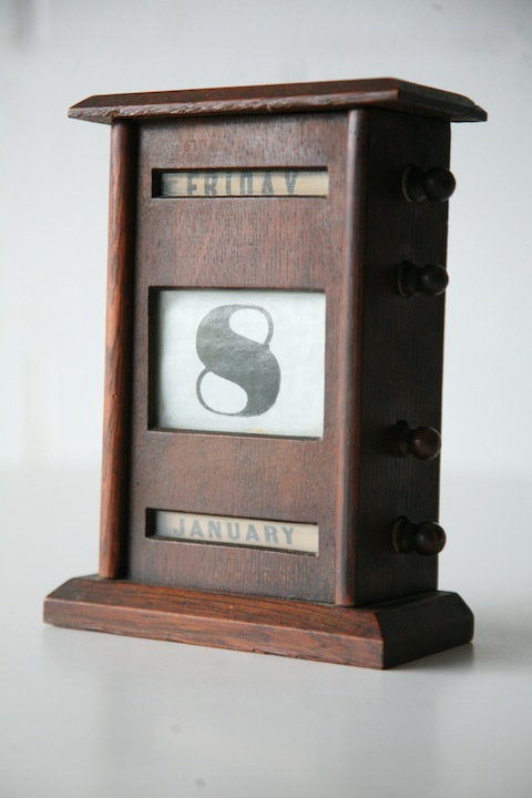 Perpetual Calendar Desk : Vintage desktop perpetual calendar cream and chrome