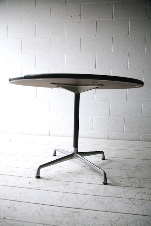 Vintage Herman Miller Action Office Round Table Cream