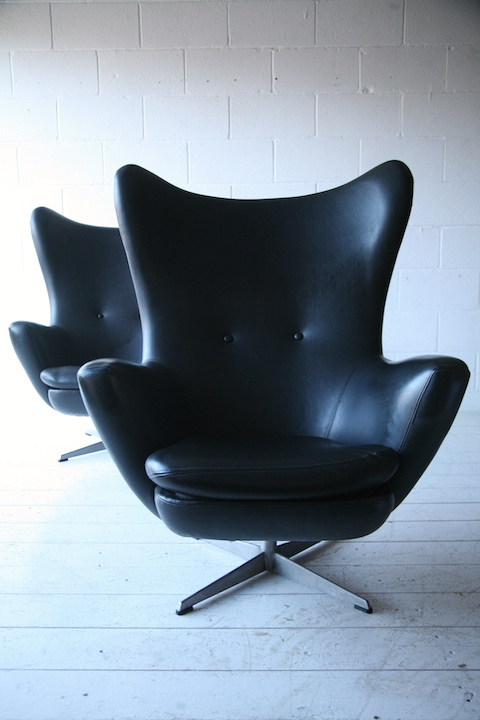 1960s Black Vinyl Swivel Chairs Cream And Chrome