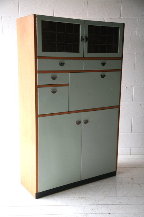 1950s kitchen cabinet cream and chrome for Kitchen cabinets 1950s