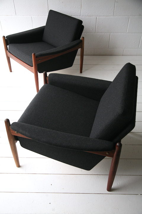 Pair of 1960s Teak Armchairs 5