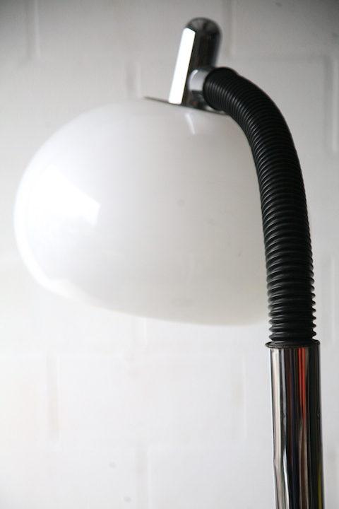 1970s-chrome-floor-lamp-2