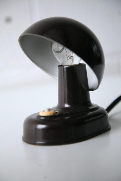 vintage-1950s-bakelite-desk-lamp-1