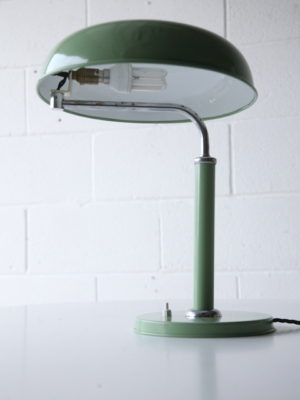 quick-1500-desk-lamp-by-alfred-muller-2