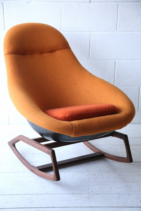 1960s 'Gemini' Rocking Chair by Lurashell 3