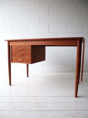 Vintage 1960s Extending Danish Teak Desk 1