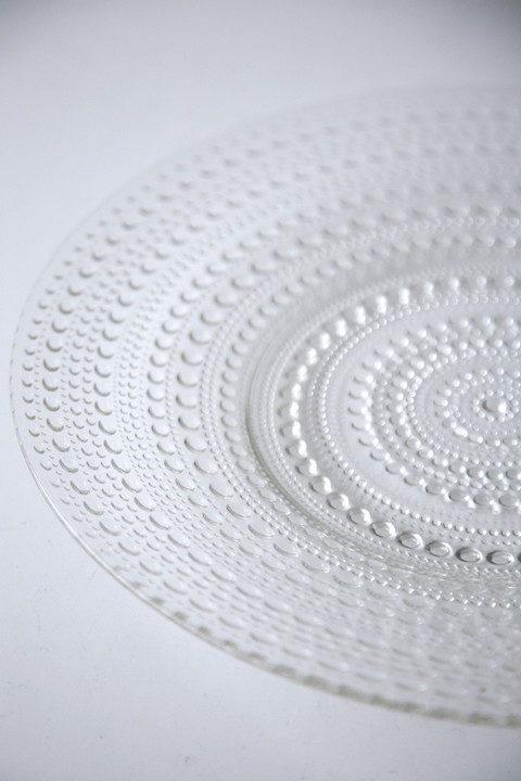 Kastehelmi Plate by Oiva Toikka for Iittala