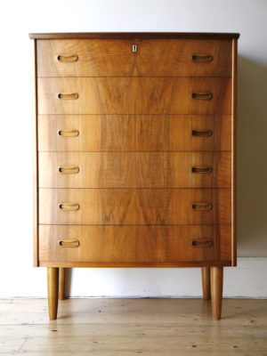 1960s Walnut Chest of Drawers 1