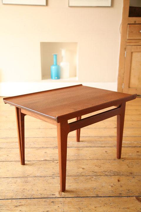 Finn Juhl Model 500 Table for France & Son
