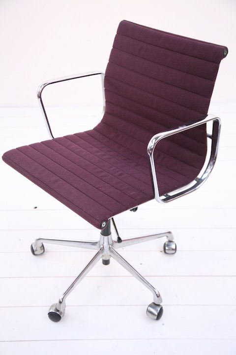 EA117 Desk Chair Designed by Charles Eames  1