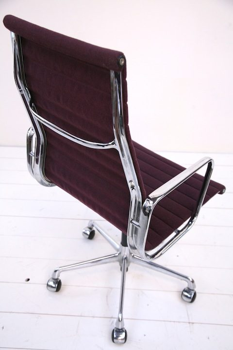 EA117 High Back Desk Chair Designed by Charles Eames  3