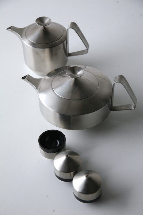 1960s 'Alveston' Tea Pot by Robert Welch for Old Hall 1