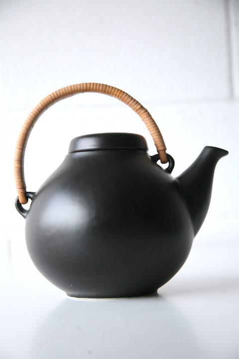 Tea Pot by Ulla Procope for Arabia 1