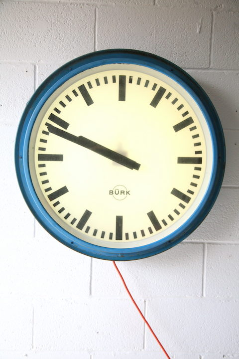 1950s-large-round-illuminating-industrial-wall-clock-by-burk-3