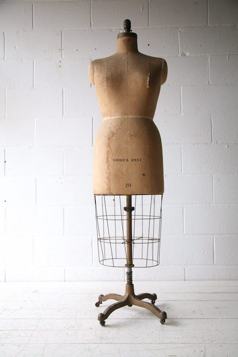 vintage-1951-mannequin-by-wolf-model-form-new-york-3