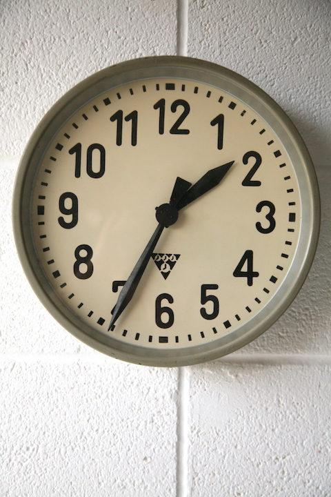 vintage-industrial-pragotron-round-wall-clock-1