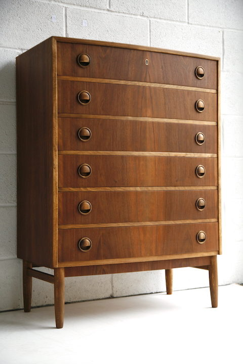 1960s Walnut Chest of Drawers 4